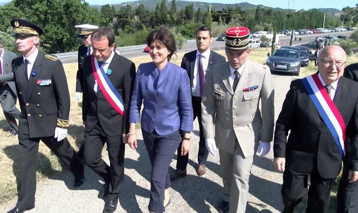 Premi re comm moration pour la nouvelle ministre de la - La poste salon de provence jean moulin ...