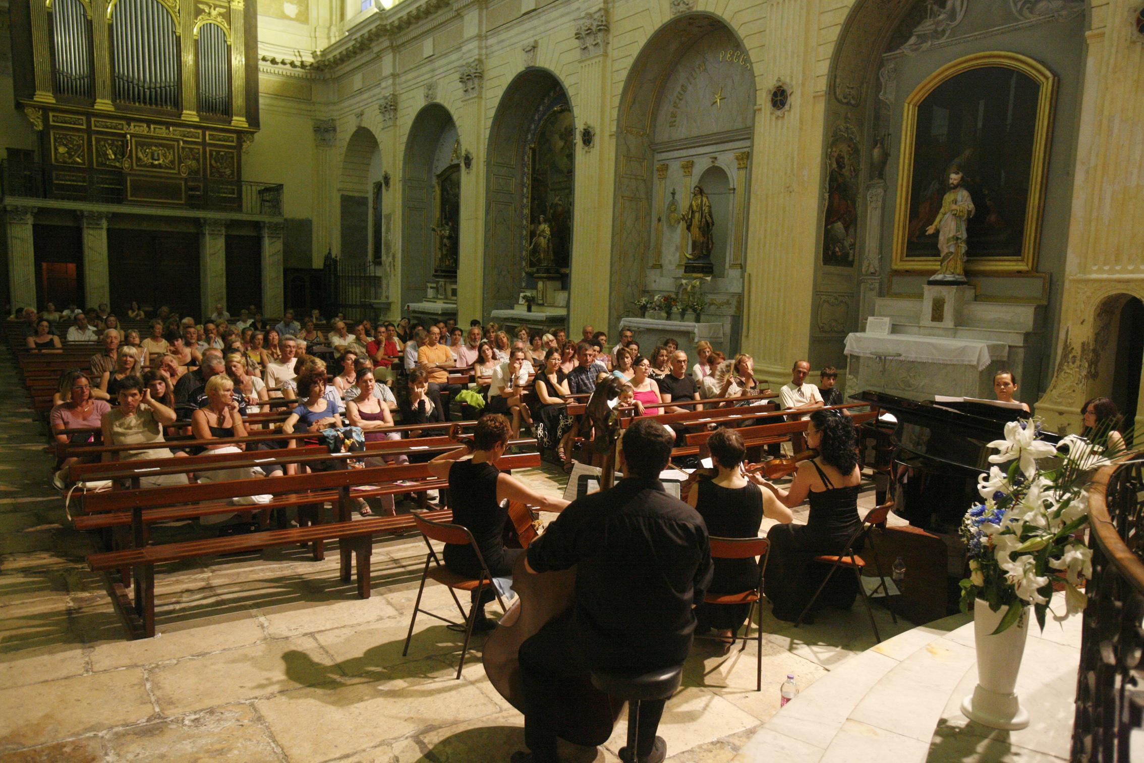 Musique martigues festival de musique for Chambre de musique
