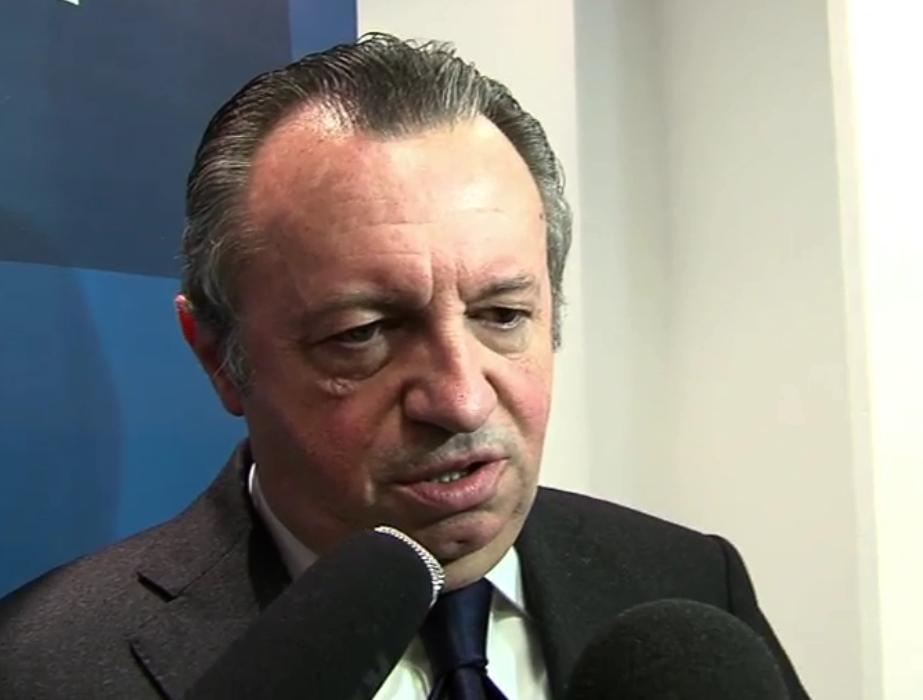 Deux pétitions relatives aux frais de justice de Guérini