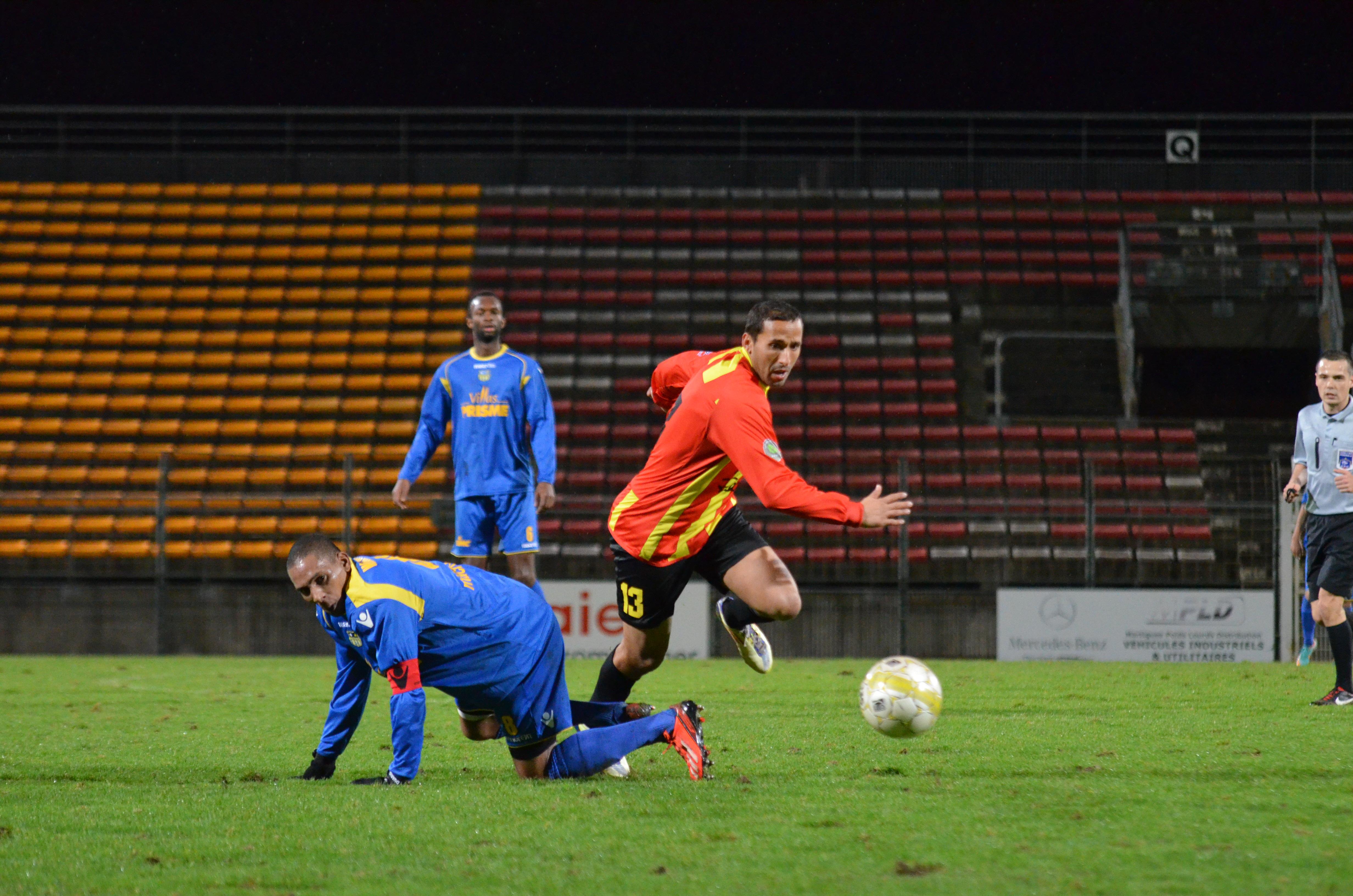 FC MARTIGUES // CFA GROUPE C CLUB et VILLE  - Page 2 Martigues-le-derby
