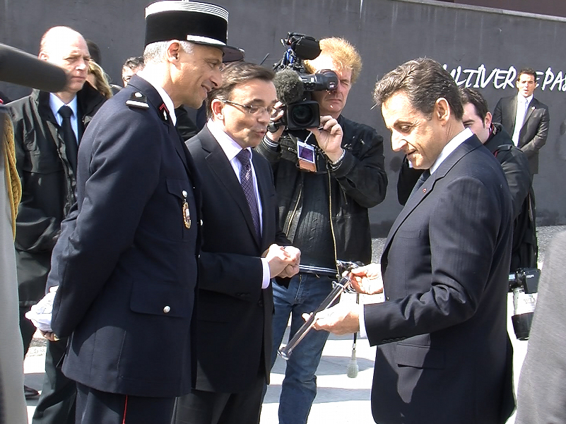 vitrolles infos dans les coulisses de la venue de sarkozy aix. Black Bedroom Furniture Sets. Home Design Ideas