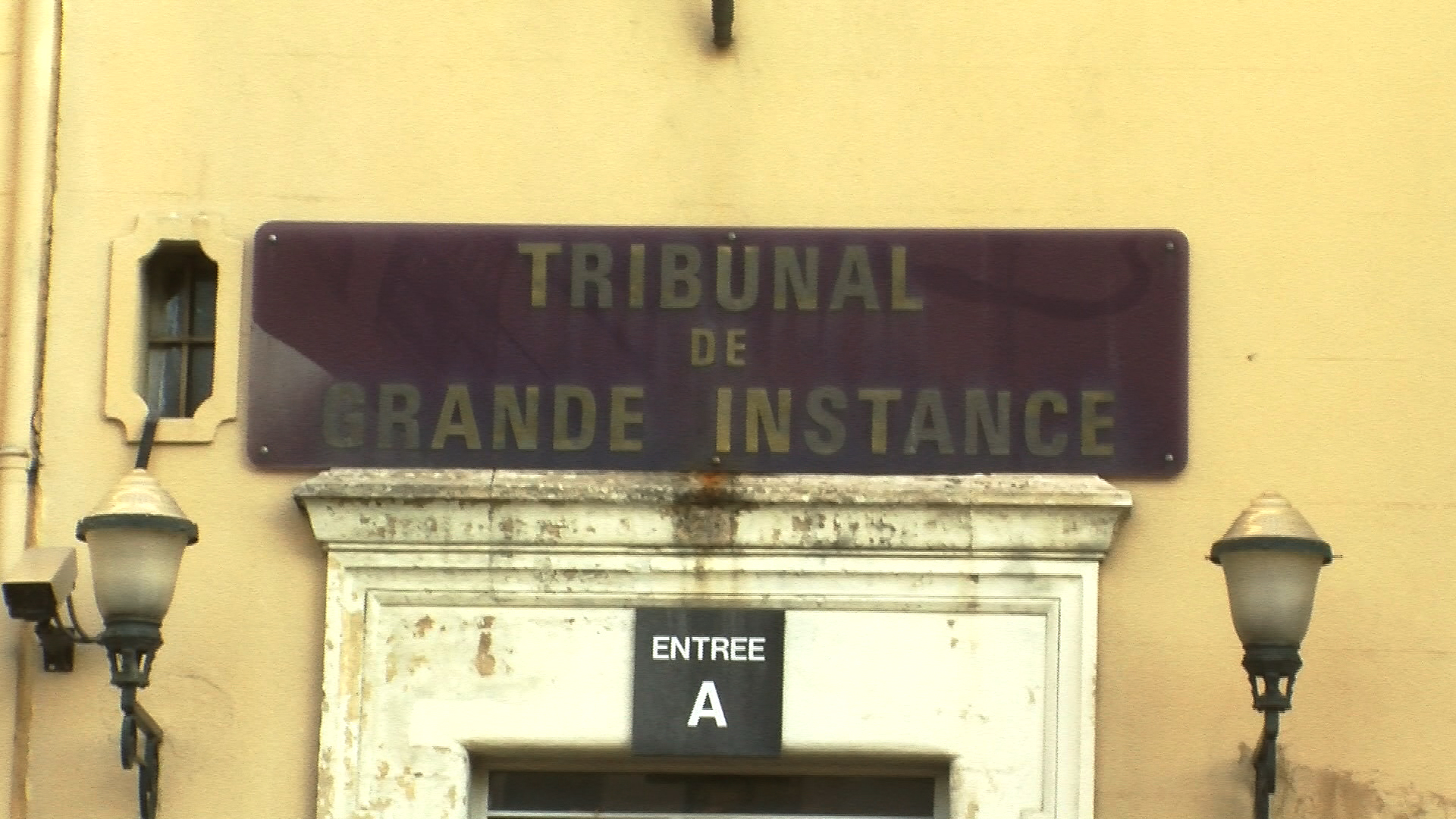 Faits divers aix en provence une for Tribunal d instance salon de provence