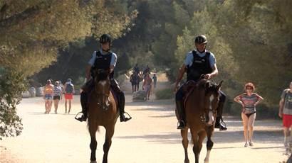 11Cassis : la Garde Républicaine veille sur les touristes et les maisons - Maritima.Info